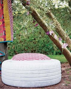 #DIY garden projects stool car tire cushion