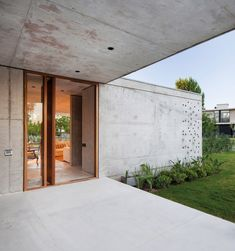 Amado Cattaneo Arquitectos Verona, Concrete Stone, Patio Interior, Wood Glass, Garage Doors, Steel, Living Room, Outdoor Decor, Home Decor