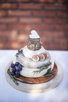 Pièce montée de fromages - traiteur - chef à domicile - original - sur-mesure - coloré - mariage - buffet - Ile de France