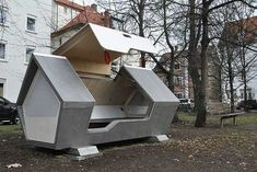 German city builds futuristic-looking 'nests' to protect the homeless from cold winter nights Homeless Assistance, Sleep Capsule, Sleeping Pods, Cities In Germany, Creative Labs, Nest Design, Homeless People, Helping The Homeless, Winter Night