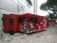 Puma Pop-Up- Les Pop-up stores, ou en français «magasin éphémère», sont une approche marketing consistant à ouvrir unpoint de vente decourte durée.