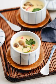 Instant Pot Chawanmushi , Silky and savory Japanese steamed egg custard made in the Instant Pot. It's so quick and easy to make this classic Chawanmushi! Steam Recipes, Egg Recipes, Gourmet Recipes, Asian Recipes, Appetizer Recipes, Cooking Recipes, Seafood Recipes, Cooking, Gluten Free Recipes