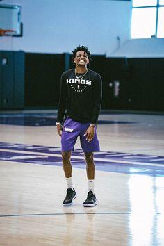 Sacramento Kings Photo Gallery | Sacramento Kings Nba Players, Basketball Players, Nba Rosters, Nba Kings, Kobe Mamba, King Photo, Sacramento Kings, College Basketball, Handsome Boys