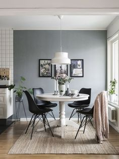 60 Modern Kitchen Dining Room Design and Decor Ideas Page 41 of 64 SeShell Farmhouse Dining Room decor design Dining Ideas Kitchen modern page Room SeShell Dining Room Walls, Dining Room Design, Gray Blue Dining Room, Design Kitchen, Dining Room Inspiration, Interior Design Inspiration, Design Ideas, Esstisch Design, Scandinavian Interior