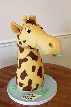 amazing sculpted cakes   Oakleaf Cakes Bake Shop