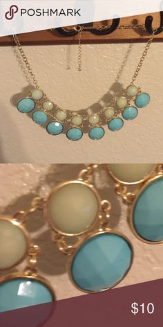 Bubble Necklace Beautiful! Blue/pale green/gold. Jewelry Necklaces