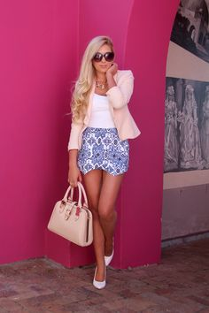Love the outfit?  Start from the bottom & work your way up.