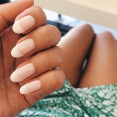 What's the Difference Between a French vs American Mani?