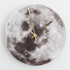 23 of Our Favorite DIY Clocks via Brit + Co.