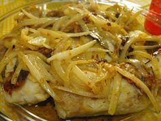 As receitas lá de casa: Medalhões de pescada com molho de azeite e alho