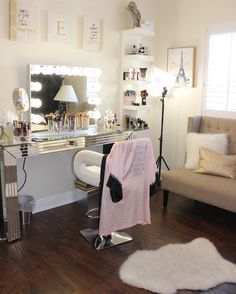 Are you ready Angels? Who watched the Victoria's Secret Fashion Show last night? This Angelic Parisian inspired glam room couldn't be more fitting! @glambyely's space features our gorgeous #impressionsvanityglowplus (at Impressions Vanity Co.)