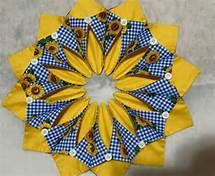 Free Fold and Stitch Wreath Instructions - Yahoo Image Search Results Quilting Tips, Quilting Projects, Quilting Designs, Sewing Projects, Sewing Crafts, Table Topper Patterns, Table Toppers, Quilt Block Patterns, Quilt Blocks