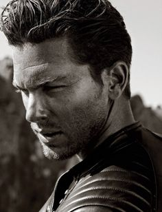Adam Senn  |  Handsome & Hot