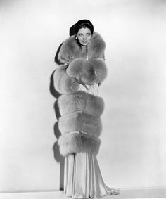 Kay Francis - early --- I guess you could say she's wrapped in fur. Hollywood Fashion, Old Hollywood Glamour, Vintage Hollywood, Hollywood Actresses, Classic Hollywood, Vintage Fur, Vintage Glamour, Vintage Beauty, Vintage Vogue
