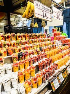 Fruit And Veg, Fresh Fruit, Beautiful Places In Spain, Madrid Food, Party Food Buffet, Fresco, Street Food Market, Barcelona, Fruit Shop