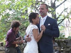 Tuscany wedding videographer at Fattoria Tregole, Castellina in Chianti, Tuscany. The video of a beautiful wedding that took place in the heart of Chianti, in the most authentic Tuscan countryside, in Castellina in Chianti, in the province of Siena....