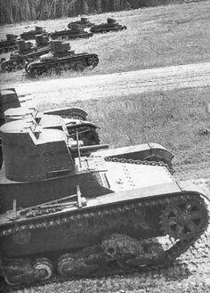 фото легкие танки Т-26 и БТ-2 СОВЕТСКОГО СОЮЗА