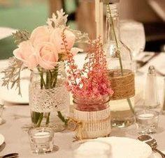 Mais garrafas de decoração para mesas.