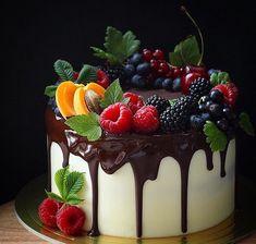 Classic fruit birthday cake - page 14 of 38 - zzzzllee - food photograph . - Classic fruit birthday cake – Page 14 of 38 – zzzzllee – Food photography – - Fruit Birthday Cake, Happy Birthday Cakes, Birthday Cake For Him, Food Cakes, Cupcake Cakes, Cake Fondant, Cake Recipes, Dessert Recipes, Gateaux Cake