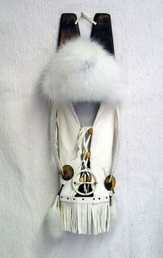 Native American made Cross Fox Cradleboard, and comes with a certificate of authenticity. Native American Baby, Native American Artwork, Native American Regalia, Native American Beadwork, Indian Pics, Indian Pictures, Native Beading Patterns, Skull Pictures, I Love You Baby