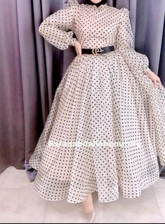 Modern Hijab Fashion, Muslim Women Fashion, Hijab Fashion Inspiration, Fashion Tips, Stylish Dresses For Girls, Stylish Dress Designs, Elegant Dresses Classy, Mode Abaya, Mode Hijab