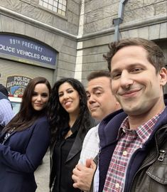Movies Showing, Movies And Tv Shows, Brooklyn 99 Cast, Brooklyn Nine Nine Funny, Eight Movie, Jake And Amy, Netflix, Jake Peralta, Andy Samberg