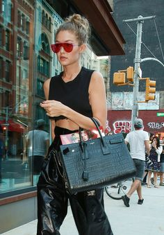 The Best Designer Work Bags to Invest In - Saint Laurent Sac De Jour Bag street style outfit / Designer work bag / street style fashion / work - Fashion Week, New York Fashion, Street Fashion, Women's Fashion, Fashion Outfits, Workwear Fashion, Fashion Spring, French Fashion, Runway Fashion