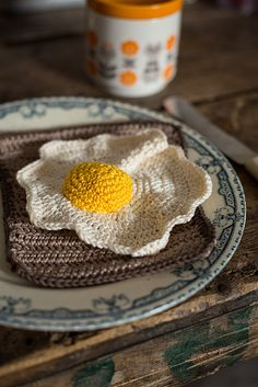 Crochet Sunny Side Up Egg-would make a cute dishcloth lol