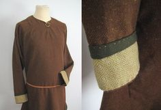 Wool tunic with diamond sleeves edge