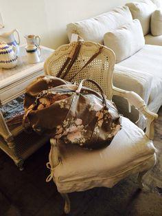 Rachael Ashwell shabby chair and tote. Love.