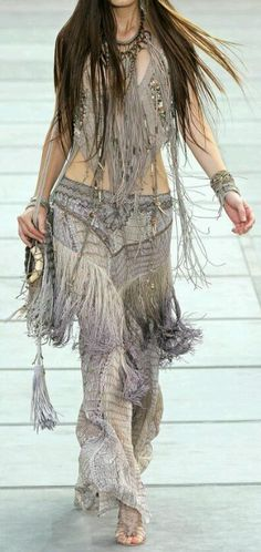 Bohemian Style, I want to be able to wear something like this everyday!! #bohemian ☮k☮ #boho                                                                                                                                                     More