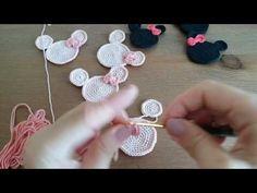 Amigurumi minnie yapılışı – My CMS C2c Crochet, Crochet Home, Learn To Crochet, Crochet Patterns, Crochet Baby Booties, Crochet Slippers, Crochet Mickey Mouse, Mickey Mouse Quilt, Miki Mouse
