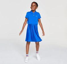 Robe polo Fille Lacoste plissée légère en piqué de coton Bleu/Blanc - 😍Découvrir ici - #RobeLacoste #RobeFilleLacoste #RobeFille #Lacoste #Dresslacoste #tendances #instafashion #modefille #robepolo Lacoste, Vestidos Polo, Blue Dresses, Summer Dresses, Pleated Skirt, Gingham, Latest Trends, Short Sleeve Dresses, Blue And White