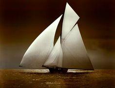 1895 Yacht Iverna at Full Sail