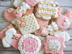 I love pink and gold for baby showers but secretly I think purple is the prettiest baby shower color. by sugarbeegoodies Baby Shower Sweets, Baby Shower Cookies, Baby Shower Parties, Baby Party, Tea Party, Galletas Cookies, Cute Cookies, Sugar Cookies, Heart Cookies