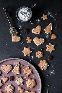 glutenfree gingerbread cookies! Glutenfreie, laktosefreie schwedische Pfefferkuchen, ohne raffinierten Zucker! - glutenfreies Weihnachtsgebäck | freiknuspern - Rezepte für Allergiker!