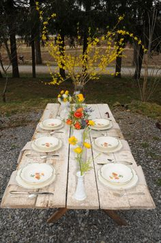 A fun, early spring rehearsal luncheon at our farm! Butternut squash pizza anyone? Styled by @expeventdesign