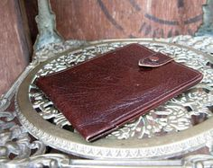 A vintage brown leather wallet by Orchard Vintage  #orchardvintage #vintagewallet #vintageleatherwallet   #vintageuk