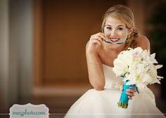ramo novia flores varias con lazo azul