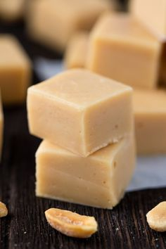 This Peanut Butter Fudge is so silky and smooth it melts in your mouth. It's easy to make and only requires four ingredients to produce a fool proof easy peanut butter fudge that is absolute perfection! Fudge Recipes, Chef Recipes, Candy Recipes, Dessert Recipes, Cooking Recipes, Delicious Recipes, Easy Desserts, Sweet Recipes, Peanut Butter Fudge