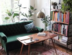 Parisian Apartment Illustrator and Cofounder of Season Paper // Hëllø Blogzine blog deco & lifestyle www.hello-hello.fr