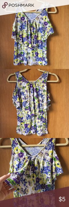 Floral tank top Has a ruffle that goes all the way around the shirt Old Navy Tops Tank Tops