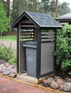 Roskakatos Uusi - 240 l sekä 2x240 l Bamboo Light, Pump House, Fire Pit Seating, Porche, Shed Plans, Log Homes, Home Projects, Interior Decorating, Home And Garden