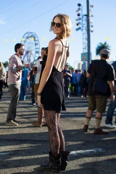 15 looks from an SF music festival! Photos by Anna-Alexia Basile. Festival Outfits, Festival Fashion, Boho Fashion, Fashion Outfits, Fashion Heels, Fasion, Treasure Island Music Festival, Street Chic, Street Style
