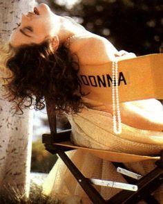 Madonna photographed by Patrick Demarchelier for Vogue, 1989 Vogue Madonna, Madonna Photos, Lady Madonna, Madonna Young, Patrick Demarchelier, Madonna Music, Madonna Art, Christian Lacroix, Pop Singers