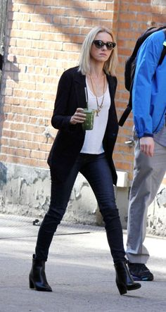 Naomi Watts on the set of Gypsy Netflix Series (8)