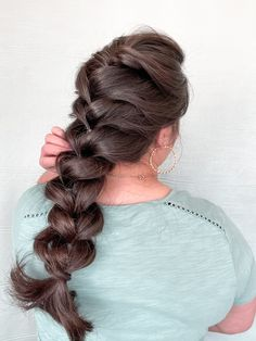 Try this super easy braid that anyone can recreate! #elasticbraid #fauxbraid #hairstyles #hairstyleideas #braidstyles #braidhairstyleideas #braiding #longhairstyles #longhair #prettybraids #cutehairstyle #cutehairstylesforteenagegirl #easyhairstyle #easybraid