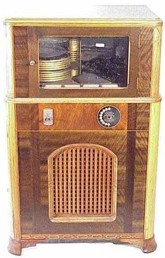 Wurlitzer Jukebox Model P10 of 1934