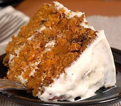 very yummy recipe for moist carrot cake with a delicious cream cheese frosting. Moist Carrot Cake Recipe from Grandmothers Kitchen. Diabetic Desserts, Sugar Free Desserts, Just Desserts, Delicious Desserts, Yummy Food, Diabetic Recipes, Vegetarian Recipes, Frosting Recipes, Cake Recipes