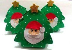 Lembrancinhas de Natal em EVA para Educação Infantil Christmas Eve, Christmas Crafts, Christmas Decorations, Xmas, Christmas Ornaments, Holiday Decor, Art For Kids, Crafts For Kids, Arts And Crafts
